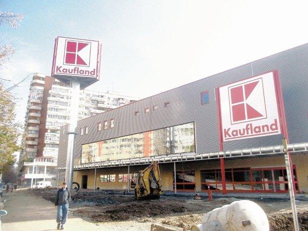 Kaufland renegociază contractul cu Coca-Cola. Produsele nu mai sunt prezente pe rafturi