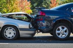 7 din 100 de maşini din România au provocat daune acoperite de RCA, în 2013, spre deosebire de 5 în Polonia, 4,4 în Croaţia, 4 în Lituania sau 3 în Ungaria