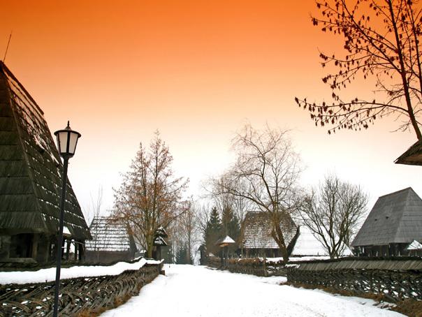 VREMEA va fi rece în weekend, cu vânt puternic şi ninsori. PROGNOZA METEO în ţară, în Bucureşti şi la munte