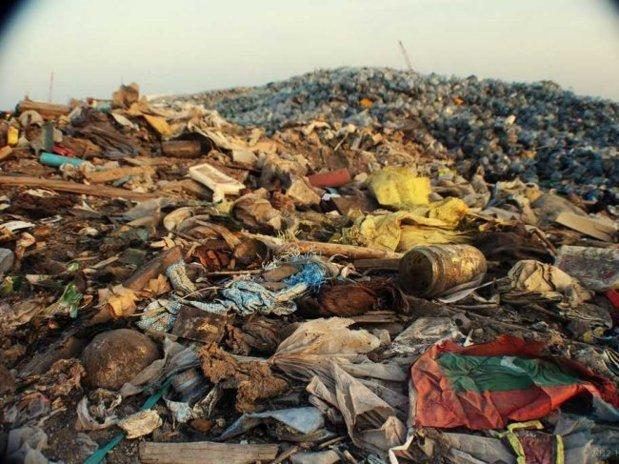 Ţara care face atât de mulţi bani din gunoi, încât îl importă de la mii de kilometri