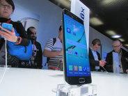 Samsung dă replica rivalilor de la Apple. Vezi aici cum arată noul telefon lansat de Samsung - FOTO