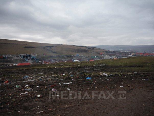 Cluj: Rampa temporară de deşeuri de la Pata Rât a fost închisă, autorităţile caută soluţii