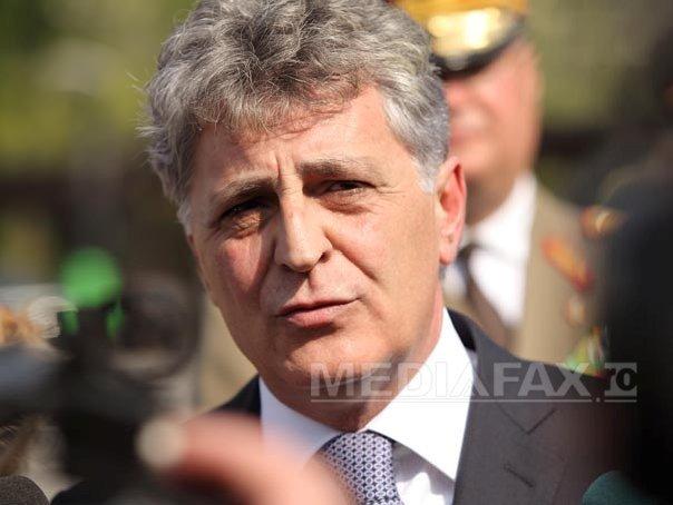 Duşa: Peste 300 de ofiţeri români activează în comandamente NATO şi ale organismelor militare ale UE