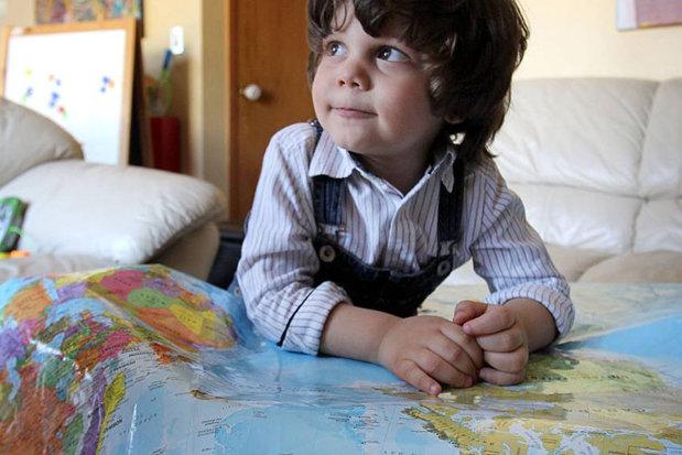 Un copil de origine română a fost desemnat cel mai inteligent de pe planetă. La trei ani ştia să numere până la 1.000 şi vorbeşte trei limbi străine