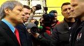 Un bărbat către Cioloş: De ce permiteţi să fie aduşi migranţi islamişti în România? - VIDEO