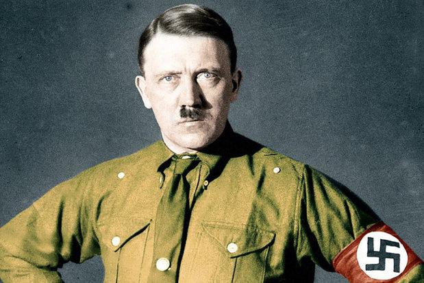 V-aţi întrebat vreodată de ce Hitler a purtat acel tip de mustaţă