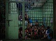 Ţara unde preşedintele îşi îndemnă cetăţenii să ucidă traficanţii de droguri. Aproape 2000 de oameni au murit în doar şapte săptămâni