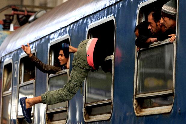 România pe locul doi în lume în topul ţărilor cu cea mai mare migraţie a populaţiei. Doar Siria ne depăseşte