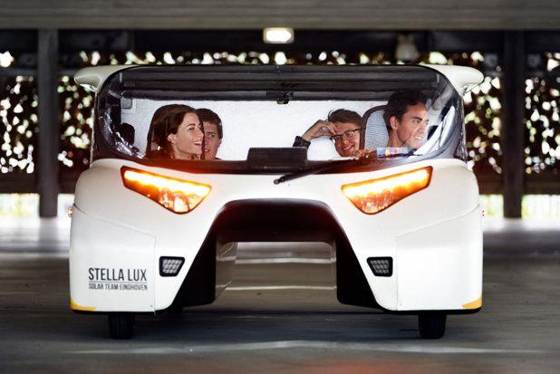 Maşina care merge 3.000 de km cu 0 lei şi 125 km/h. Energia alternativă care omoară petrolul la orice oră