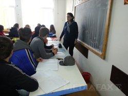 Costurile pentru un elev din România, chiar şi de cinci ori mai mici faţă de alte state
