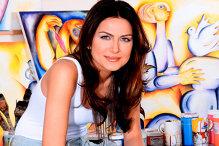 """""""Micuţa Picasso"""" din Vaslui: la 11 ani vindea tablouri cu 100.000 de dolari"""