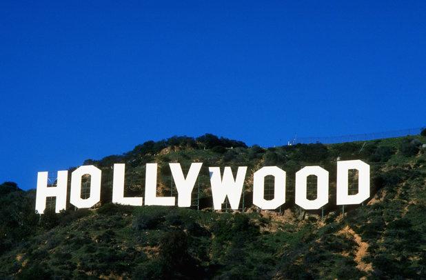 Ţara care vrea să distrugă Hollywood. Construieşte 27 de cinematografe pe zi