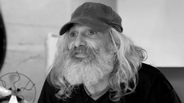 Transformarea incredibilă a acestui bărbat care trăia de 25 de ani pe străzi