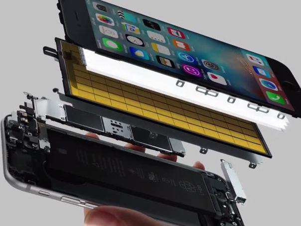 VIDEO Cum să-ţi faci un iPhone de unul singur. Ce a descoperit un tânăr care şi-a construit un telefon de la zero