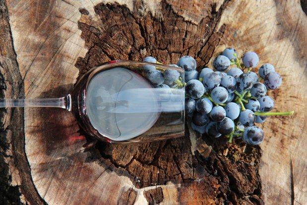 Locul din Bucureşti unde se pot degusta peste 200 de vinuri