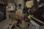 """Viaţa in locuinţele considerate sicrie şi decretate ca fiind """"o insultă la adresa demnităţii umane"""" - GALERIE FOTO"""