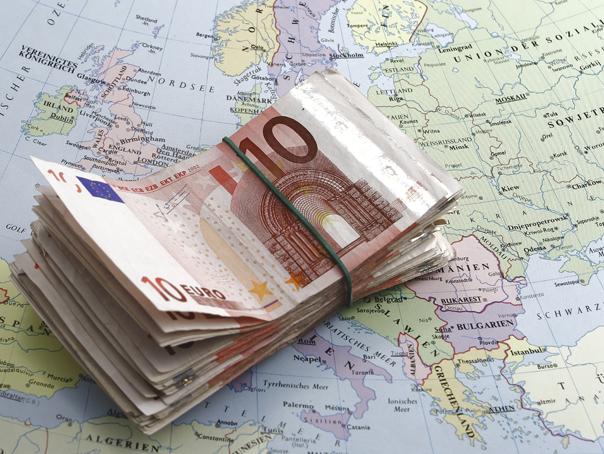 Euro a atins maximul ultimilor patru ani şi şapte luni: 4,5729 lei