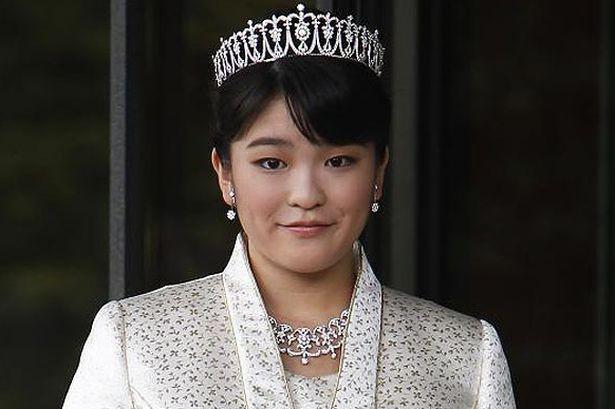 Prinţesa Japoniei renunţă la titlu pentru a se mărita cu un muncitor. Cum arată acesta