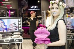 L'Oreal România deschide trei magazine proprii