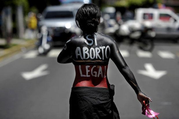 Ţara unde femeile care fac avort sunt considerate CRIMINALE si pot primi până la 40 de ani de PUŞCĂRIE. 13 femei au făcut închisoare