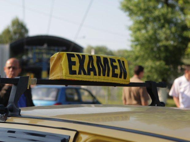 Examenul pentru permisul auto, mult mai complicat. Statul pregăteşte o nouă probă pentru viitorii şoferi
