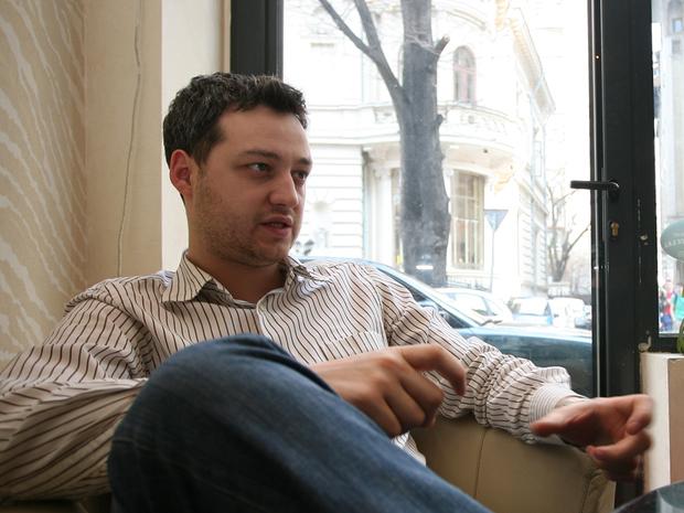 La 27 ani avea 50 de cafenele şi afaceri de 15 milioane de euro. Acum este falimentar şi nu îl mai cunoaşte nimeni