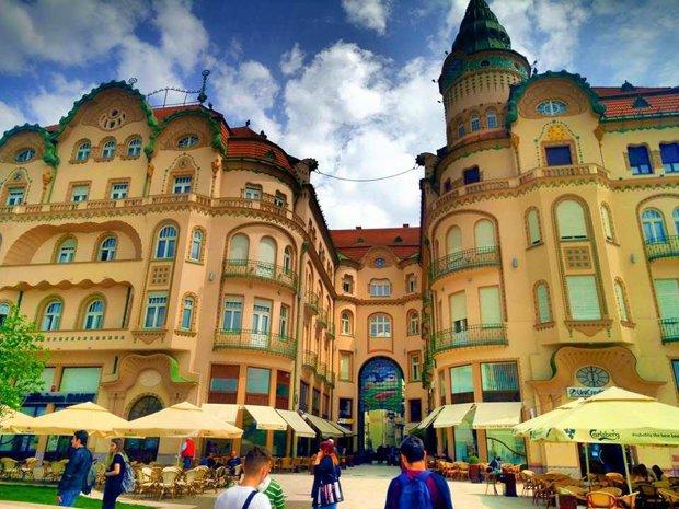 Cel mai frumos centru istoric din România! Clujul, Braşovul şi Bucreştiul trebuie să ia lecţii de aici