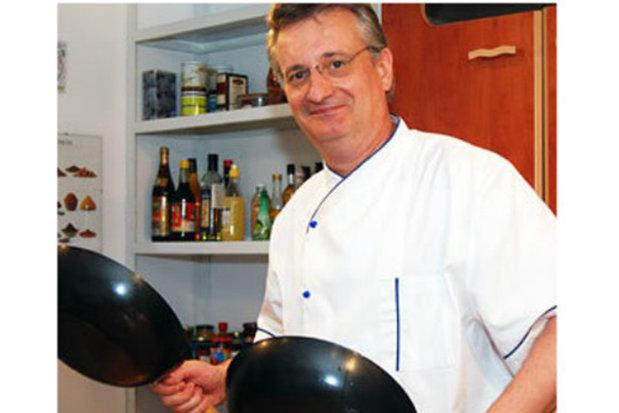 """Un cunoscut bucătar din România vinde tot şi pleacă din ţară. """"Nu plec din motive pecuniare, ci strict din cauza modului in care este condusa Romania"""""""