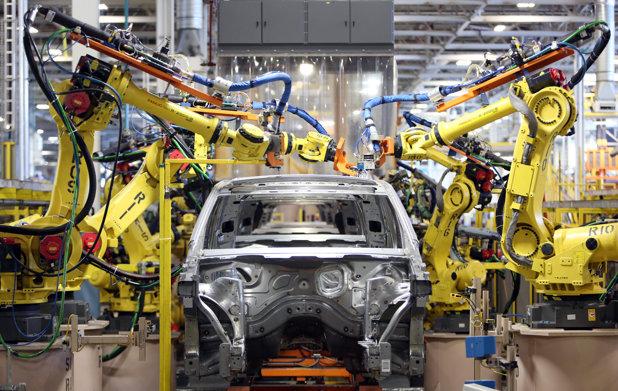 Roland Berger: Industria auto şi procesele de asamblare parcurg schimbări istorice