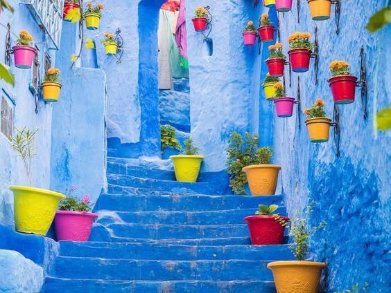 Oraşul albastru din Maroc desprins din poveşti. De ce a fost pictat în această nuanţă