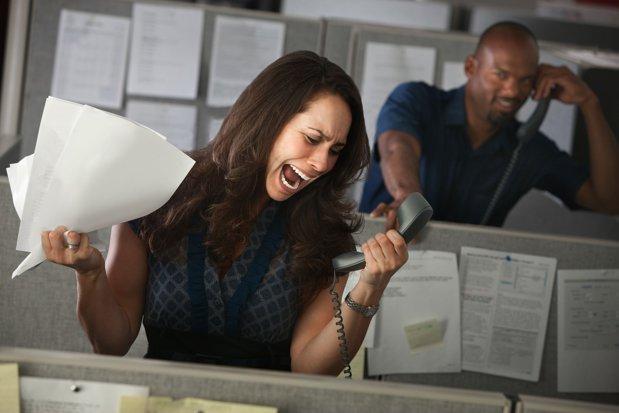 Cum fură companiile miliarde anual din banii angajaţilor lor