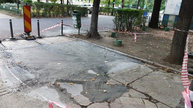 """Cum se lucrează într-o """"Capitală Europeană Smart"""": Un bulevard considerat a fi monument istoric este distrus sistematic, iar mozaicul este înlocuit de beton turnat în bătaie de joc"""
