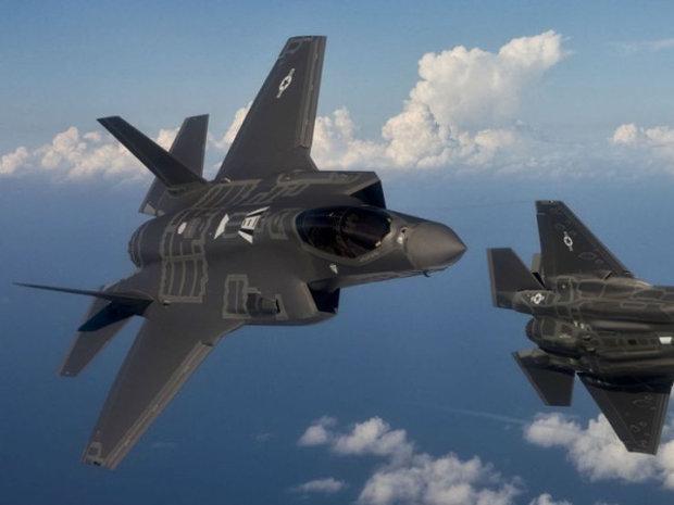 Avioane de vânătoare şi bombardiere americane au efectuat exerciţii deasupra peninsulei Coreea