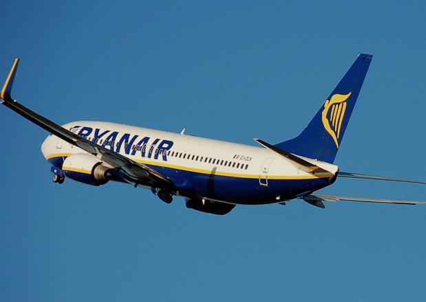Acţiunile Ryanair au scăzut cu 3% în urma anunţului anulării a zeci de zboruri pe zi