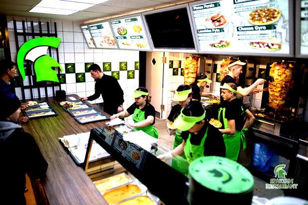 Lanţul ROMÂNESC de RESTAURANTE care se  luptă cu giganţii KFC şi McDonald's. Au deschis până acum 33 de unităţi