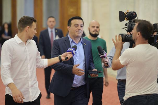 """Cum se APĂRĂ Niculae Bădălău, preşedintele BĂTĂUŞ al PSD: """"Am văzut că şi domnul Goţiu s-a trezit"""""""