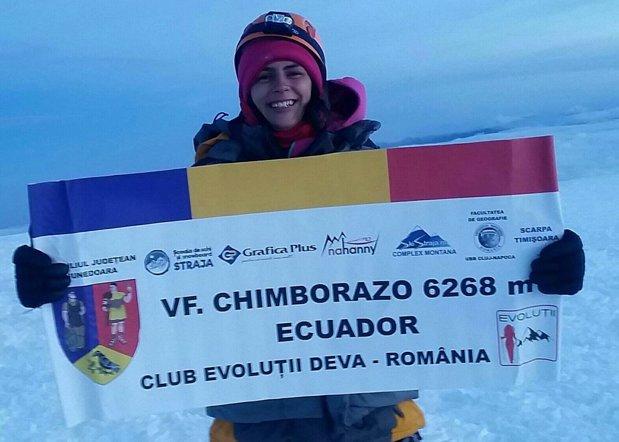 """FELICITĂRI! Alpinista Alexandra Marcu din România a cucerit vârful Chimborazo (6.268m), din Anzi. """"A fost o ascensiune extrem de dificila dar am reusit! """""""