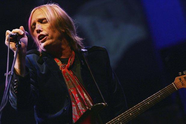 Rockstarul Tom Petty a murit. Muzicianul a fost găsit inconştient în casa sa