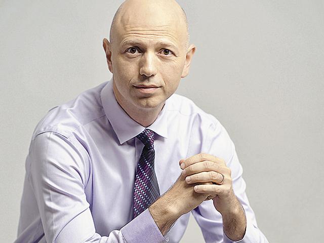 Radu Georgescu iese din prima sa iniţiativă antreprenorială şi se dedică exclusiv investiţiilor