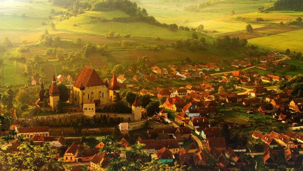 Reportaj BBC. Satul din România unde un singur cuplu a divorţat în 300 de ani. Care este secretul