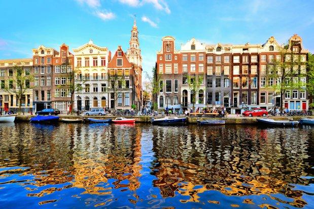 10 oraşe pe care ar trebui să le vizitezi de unul singur