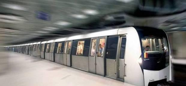Metrorex a intervenit pentru evacuarea fumului degajat de un arc electric pe M2