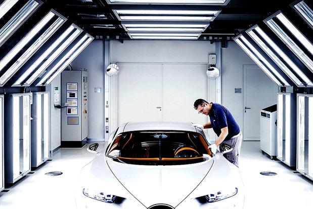 Producătorii auto, OBLIGAŢI să scoată bani din buzunar pentru a indeplinii noile reguli ale UE