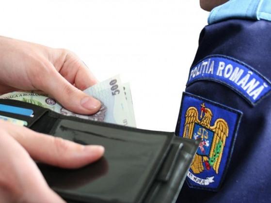 Agenţi ai poliţiei rutiere din Teleorman, anchetaţi pentru luare de mită