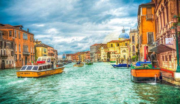 Veneţia nu mai permite navigaţia vaselor de croazieră gigant prin centrul istoric