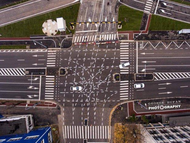 La câteva ore de la inaugurarea celei mai controversate intersecţii din România a avut loc primul accident. Suma uriaşă  plătită de autorităţi pentru acest proiect