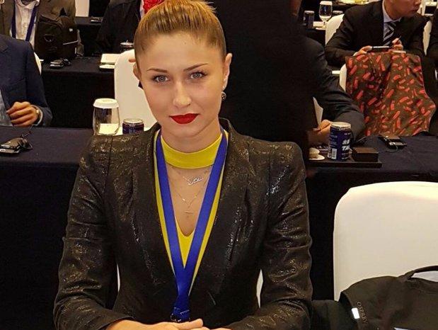 """""""Jur că deja mă părăseşte diplomaţia. Păi voi chiar ne credeţi pe toţi tâmpiţi?"""", cea mai tânără femeie primar din România către Guvern"""