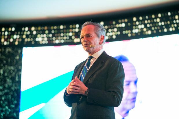 """CEO-ul Erste: """"România, un loc extraordinar în care să fii. Vrem să ne luăm angajamentul că vom fi aici şi în 50 de ani, şi în 100 de ani"""""""