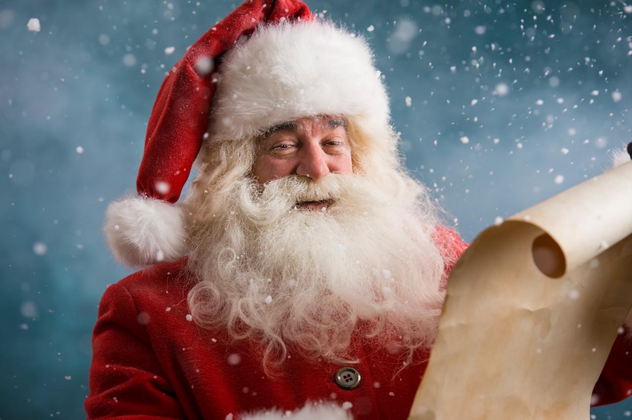 Cea mai BIZARĂ scrisoare trimisă de un copil: a fost ''obligat'' să îi scrie lui Moş Crăciun