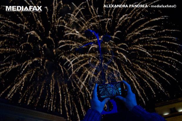 REVELION într-un oraş din România, marcat de două ori în aceeaşi noapte. De ce vor fi trase focuri de artificii la ora 00.00 şi, din nou, la 01.00